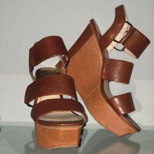 "Vince Camuto women's 4"" heeled wedge sandals Sz 7"